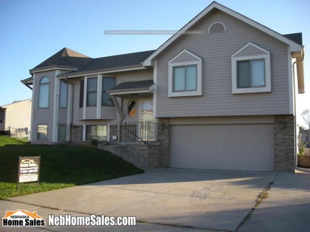 5271 W Redberry Lane, Lincoln, NE 68528 (MLS #10141599) :: Nebraska Home Sales