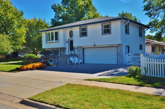 831 Irving Street, Lincoln, NE 68521 (MLS #10141633) :: Nebraska Home Sales