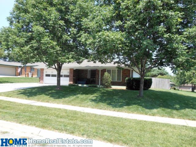 6030 Rainbow Circle, Lincoln, NE 68516 (MLS #10141658) :: Nebraska Home Sales