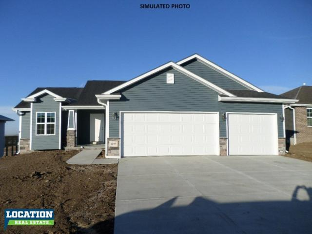 1045 Oakview Drive, Hickman, NE 68372 (MLS #10144052) :: Lincoln Select Real Estate Group
