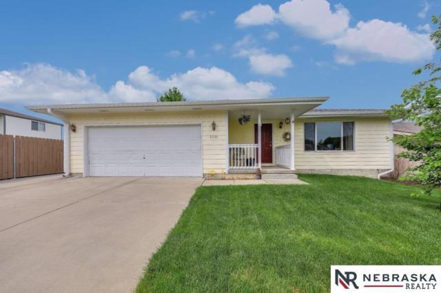 5241 W Redberry Lane, Lincoln, NE 68528 (MLS #10146198) :: Nebraska Home Sales