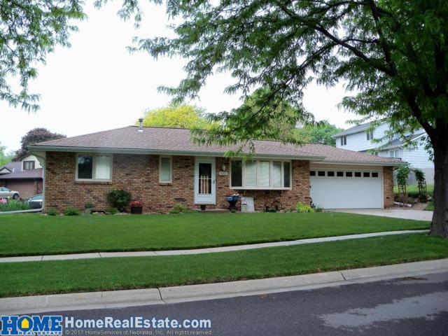 4301 Bel Ridge Drive, Lincoln, NE 68521 (MLS #10146365) :: Nebraska Home Sales