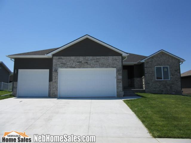 9605 Dutch Mill Lane, Lincoln, NE 68516 (MLS #10148863) :: Nebraska Home Sales