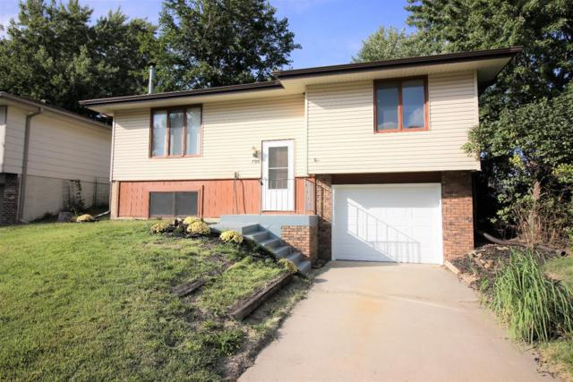 700 W Sumner Circle, Lincoln, NE 68522 (MLS #10149153) :: Lincoln Select Real Estate Group