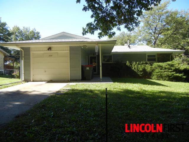 1131 Colony Lane, Lincoln, NE 68505 (MLS #10151425) :: Nebraska Home Sales