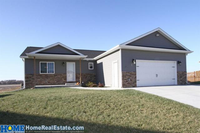 325 Orchard Place, Hickman, NE 68372 (MLS #10151609) :: Lincoln Select Real Estate Group