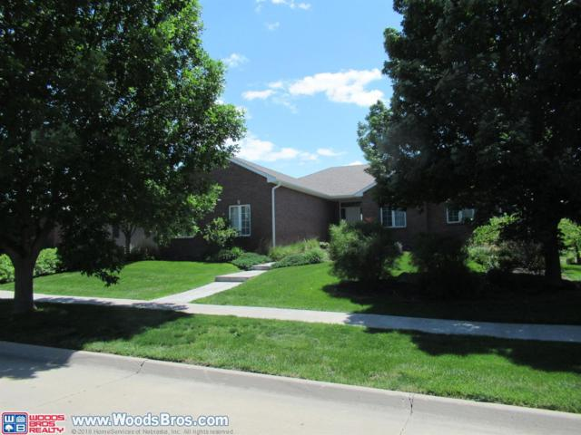 8811 Augusta Drive, Lincoln, NE 68526 (MLS #10151742) :: Lincoln Select Real Estate Group