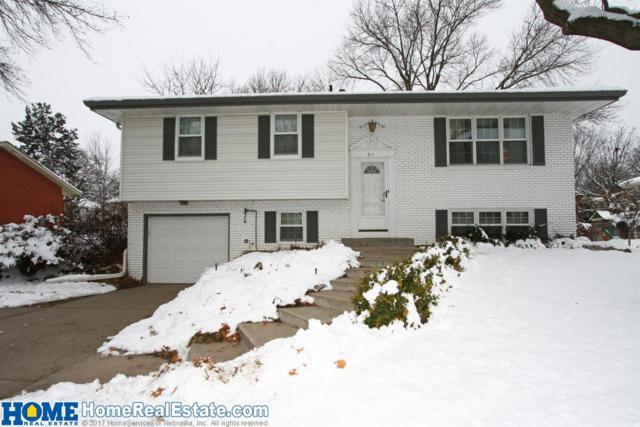 611 Leavitt Lane, Lincoln, NE 68506 (MLS #10152809) :: Nebraska Home Sales