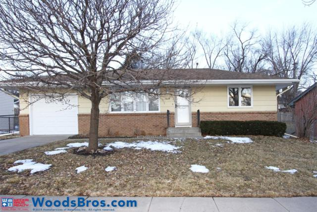 1624 Hartley Street, Lincoln, NE 68521 (MLS #10153355) :: Lincoln Select Real Estate Group