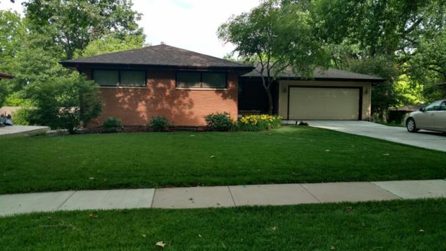 730 Wedgewood Drive, Lincoln, NE 68510 (MLS #10139545) :: Lincoln's Elite Real Estate Group