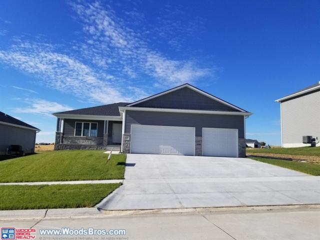 1215 Oakview Drive, Hickman, NE 68372 (MLS #10151238) :: Lincoln Select Real Estate Group