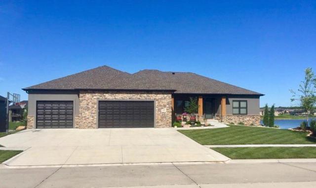 525 Half Moon Bay, Lincoln, NE 68527 (MLS #10148989) :: Nebraska Home Sales