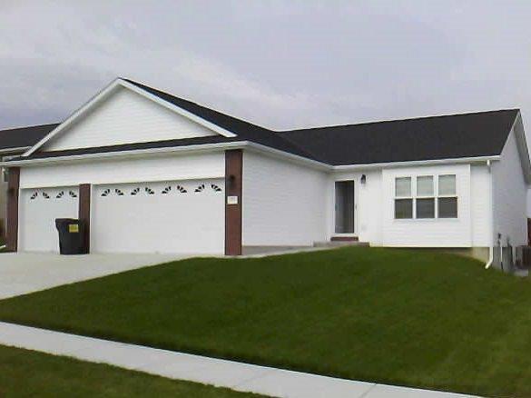 1740 NW Flader Court, Lincoln, NE 68528 (MLS #10140203) :: Nebraska Home Sales
