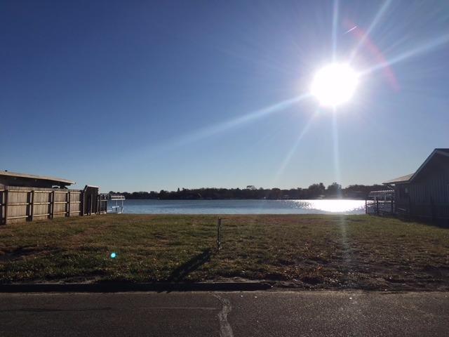 142 W Lakeshore Drive, Lincoln, NE 68528 (MLS #10142593) :: The Briley Team