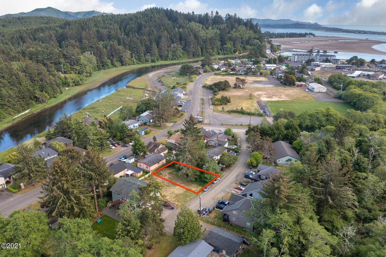 Lot 2900 Lee Ave - Photo 1