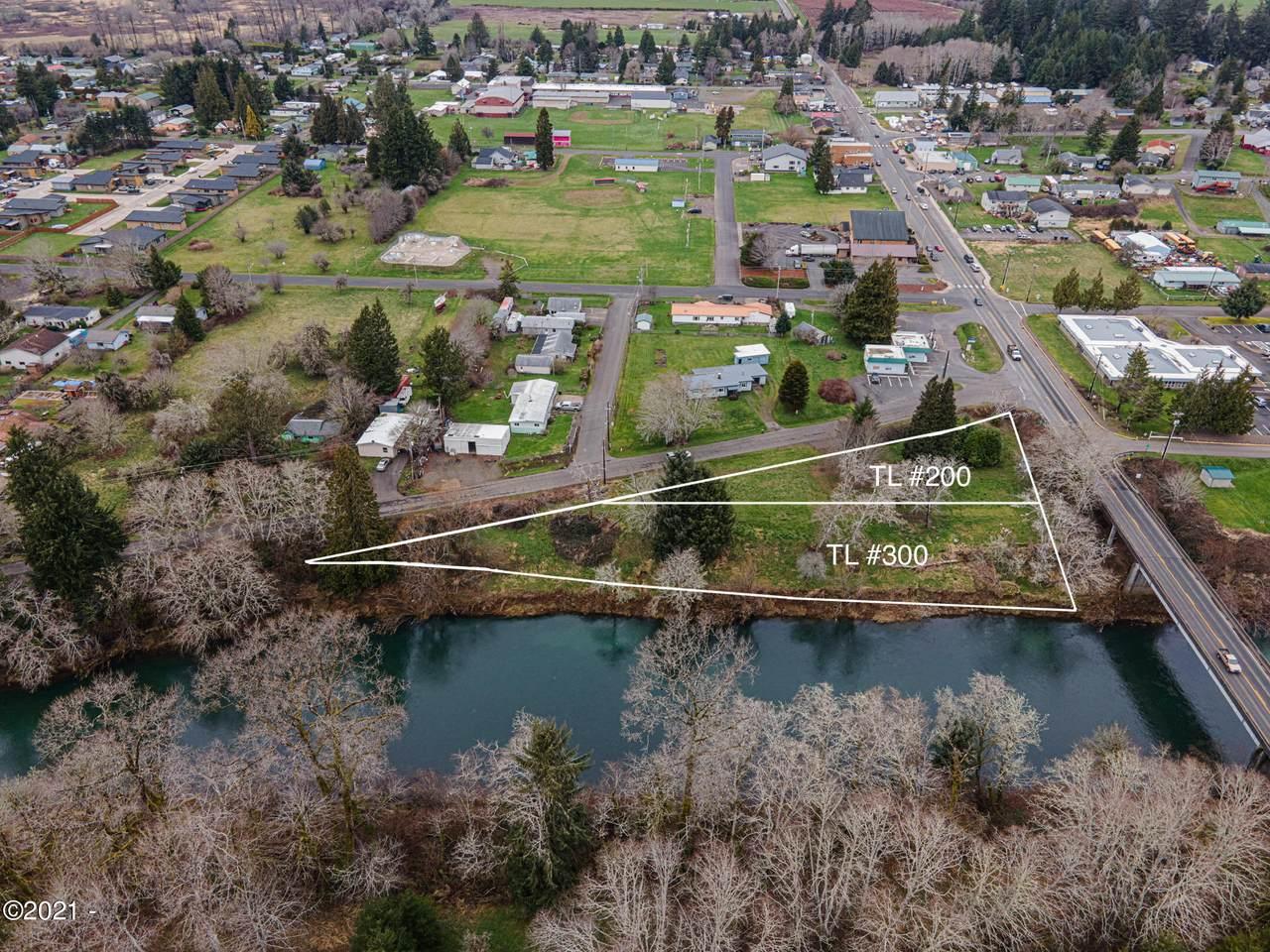 160 Siletz River Dr - Photo 1