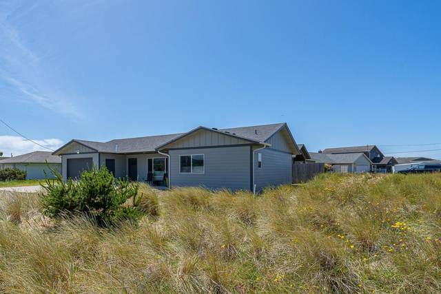 1002 NW Bayshore Dr., Waldport, OR 97394 (MLS #20-1146) :: Coho Realty