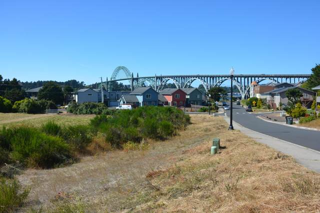 2728 SW Brant St, Newport, OR 97365 (MLS #20-1560) :: Coho Realty