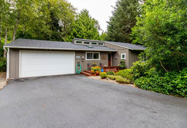 199 SW The Pines, Depoe Bay, OR 97341 (MLS #20-1656) :: Coho Realty