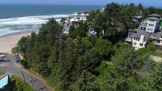 834 SW 10th Place, Lincoln City, OR 97367 (MLS #20-1751) :: Coho Realty