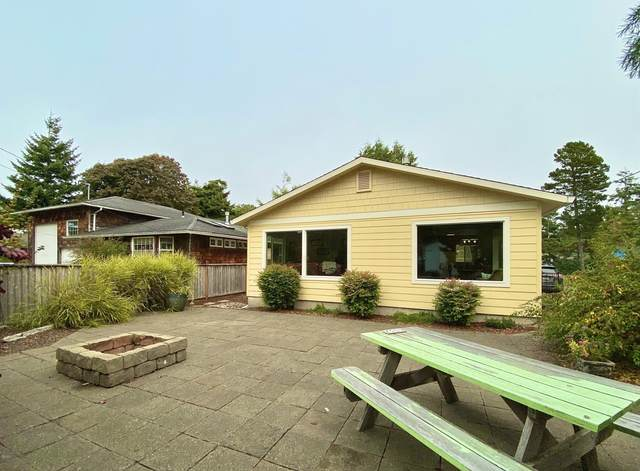 6332 SW Galley Ave, Lincoln City, OR 97367 (MLS #20-2063) :: Coho Realty