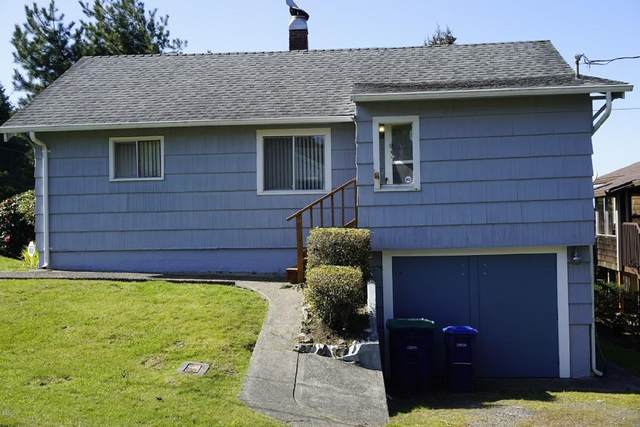 1763 NW 25th St, Lincoln City, OR 97367 (MLS #20-517) :: Coho Realty
