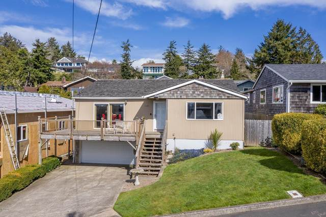 645 SE 4TH St, Newport, OR 97365 (MLS #20-694) :: Coho Realty