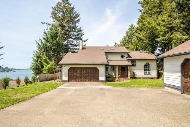 252 SE Yaquina View Dr, Newport, OR 97365 (MLS #20-959) :: Coho Realty
