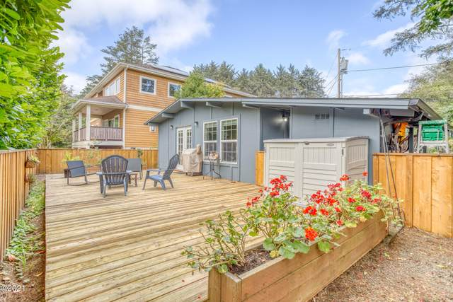 3445 NW Neptune, Lincoln City, OR 97367 (MLS #21-2053) :: Coho Realty
