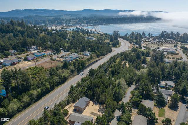 1905 NW Hilton Dr, Waldport, OR 97394 (MLS #21-2216) :: Coho Realty