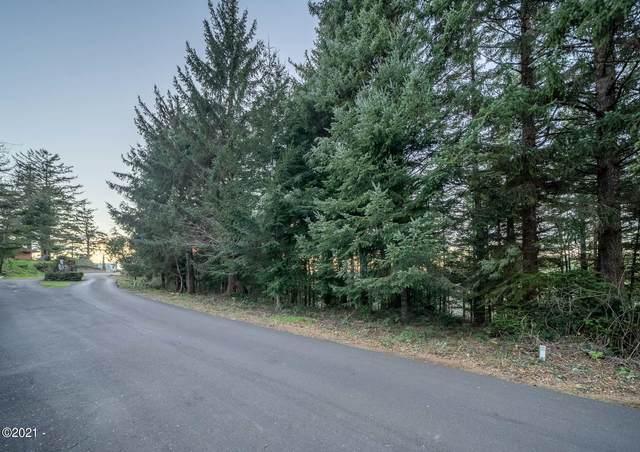 810 NW Highland Circle, Waldport, OR 97394 (MLS #21-289) :: Coho Realty