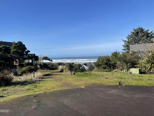 3202 NW Sandpiper Way, Waldport, OR 97394 (MLS #21-363) :: Coho Realty