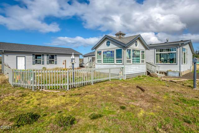 1908 NW Admiralty Cir, Waldport, OR 97394 (MLS #21-394) :: Coho Realty