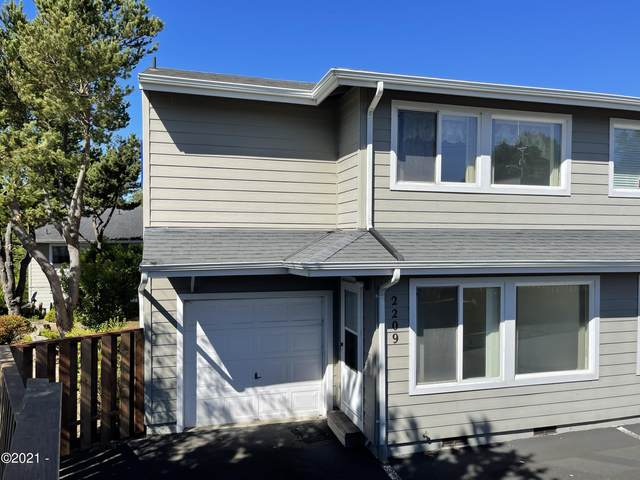 2209 NW Oar Pl, Lincoln City, OR 97367 (MLS #21-1595) :: Coho Realty