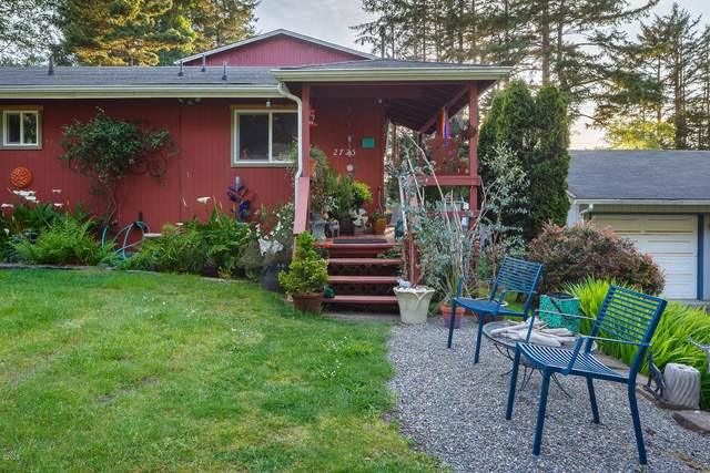 2725 NW Neptune Ave, Lincoln City, OR 97367 (MLS #20-1289) :: Coho Realty