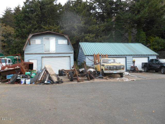 959 Siletz Hwy, Lincoln City, OR 97367 (MLS #19-2709) :: Coho Realty