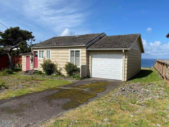 1933 NW Harbor Avenue, Lincoln City, OR 97367 (MLS #21-1648) :: Coho Realty