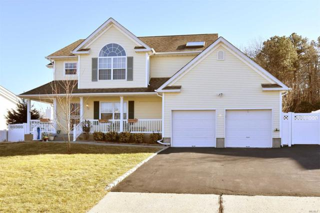 18 Windjammer Xing, Manorville, NY 11949 (MLS #2997831) :: Netter Real Estate
