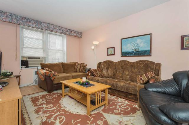 33-25 90th St 5H, Jackson Heights, NY 11372 (MLS #3000058) :: Netter Real Estate