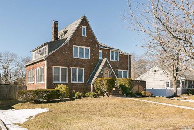 77 Concourse, Brightwaters, NY 11718 (MLS #3003369) :: Netter Real Estate