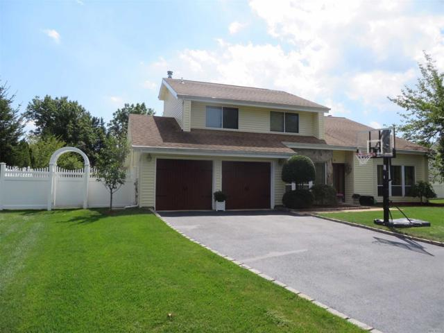 9 Timber Ridge Dr, Commack, NY 11725 (MLS #3004251) :: Platinum Properties of Long Island