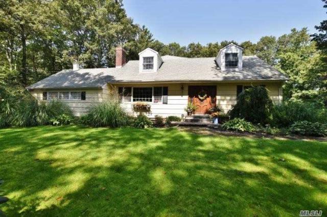 4 Paul Revere Ln, Centerport, NY 11721 (MLS #3004352) :: Platinum Properties of Long Island
