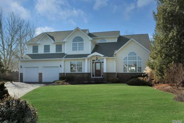 4 Peconic Ct, Commack, NY 11725 (MLS #3004734) :: Platinum Properties of Long Island