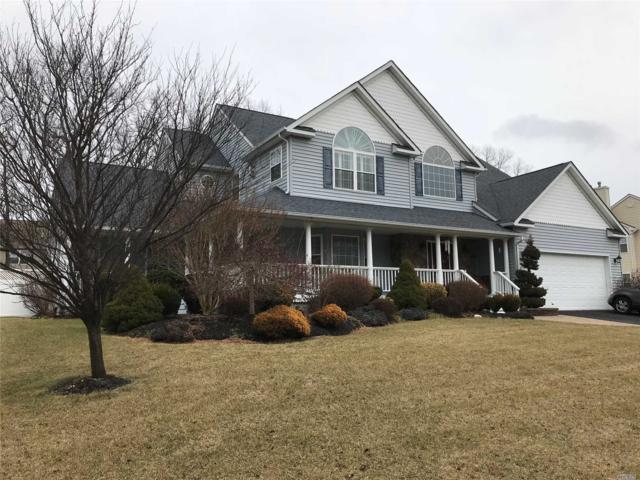 25 Southview Circle, Lake Grove, NY 11755 (MLS #3004779) :: Keller Williams Homes & Estates