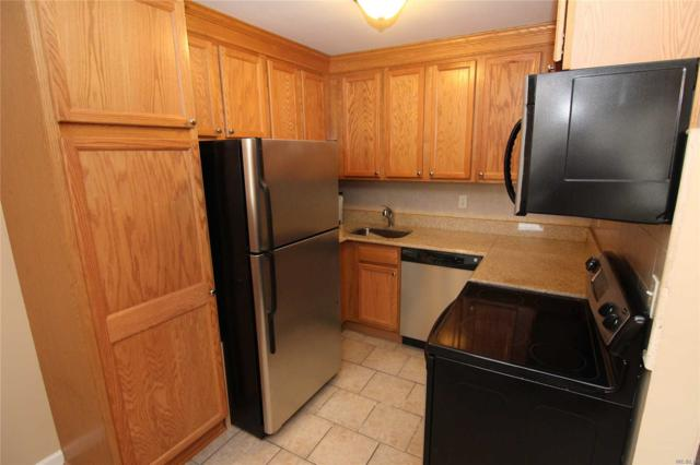 40 W 4th St A-6, Patchogue, NY 11772 (MLS #3005111) :: Netter Real Estate