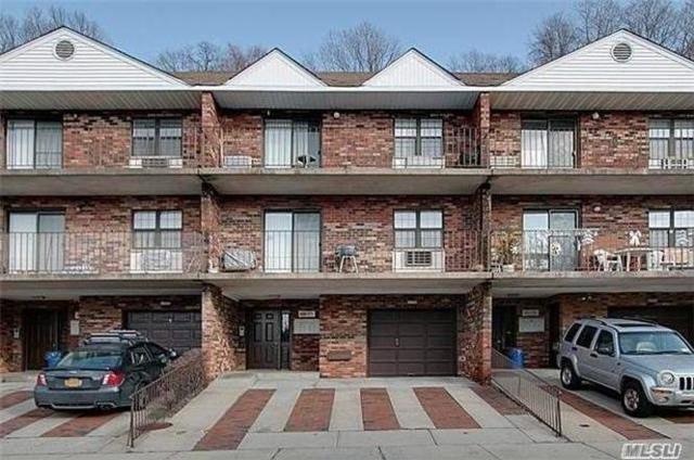 68-05 242nd St 3F, Douglaston, NY 11362 (MLS #3005445) :: Netter Real Estate