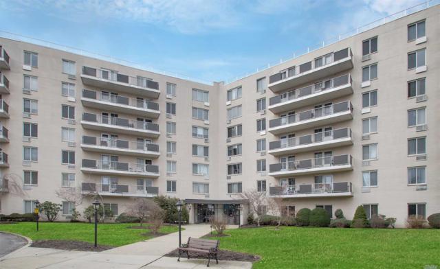 135 Post Ave 4Q, Westbury, NY 11590 (MLS #3007529) :: Netter Real Estate