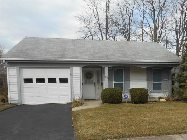 459 Summerwood Ct 55+, Ridge, NY 11961 (MLS #3010050) :: Netter Real Estate
