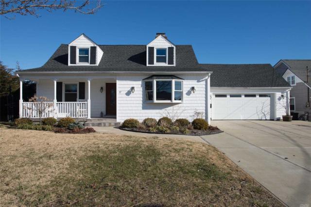 77 Bayside Pl, Amityville, NY 11701 (MLS #3011891) :: Netter Real Estate