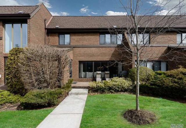 48 Chestnut Hill #147, Roslyn, NY 11576 (MLS #3012628) :: The Lenard Team